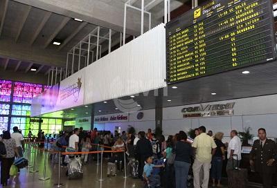 aeropuerto8ht1325625935