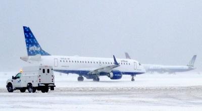 jetblue-snow-scene