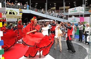 Baile en Stand República Dominicana en Salón de Turismo EUROAL