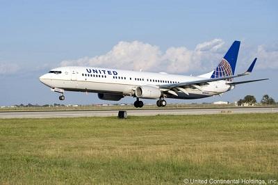 101001-united737900-01