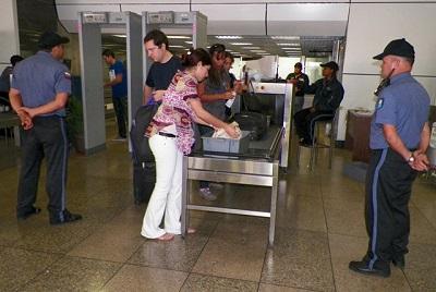 Punto-de-control-de-seguridad-en-terminal-nacional-de-Maiquetía