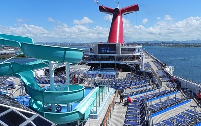 Carnival_Victory_Pool_Deck
