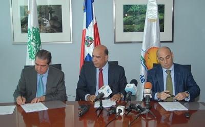 Ministros de Turismo y Medio Ambiente firman convenio de salvaguarda a la biodiversidad en costas