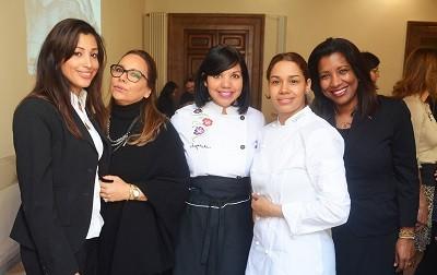de izq. a der. Racelis Mella, Tati Salas, Chef Tita, Chef Maria Marte, Joanni Luna de la embajada dominicana en roma