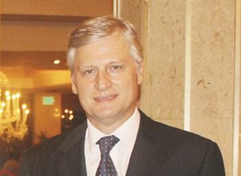 Sr. Roberto Casoni