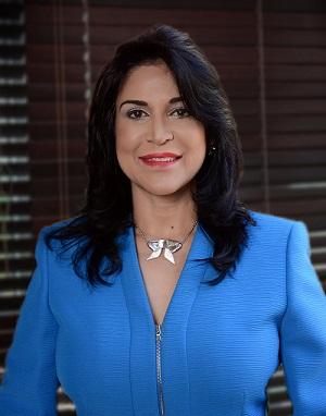 2Amelia Reyes