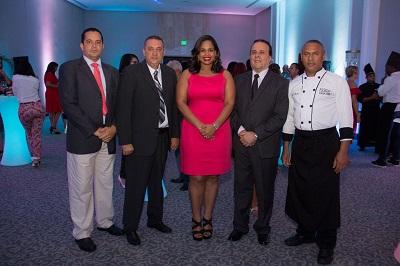 01 -PRINCIPAL-Andreson Abreu, Pedro , Angela Armstrong, Enrique Palacios (Embajador de Peru) y Julio Cesar Mercedes. (1)
