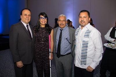 03-Embajador de Perú Enrique Palacios, Srta. Francina Hungria Sr. Hungria y Sr. Raymundo Morales. (1)
